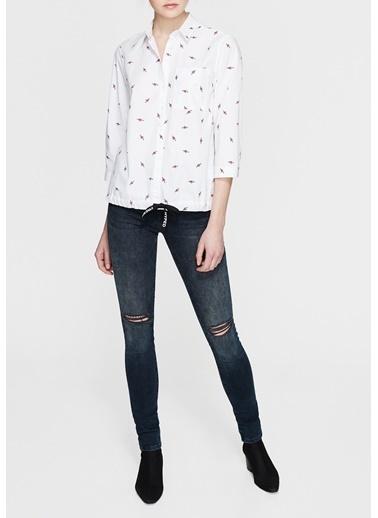 Mavi Desenli Gömlek Bluz Beyaz